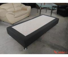 Egy személyes kanapé.