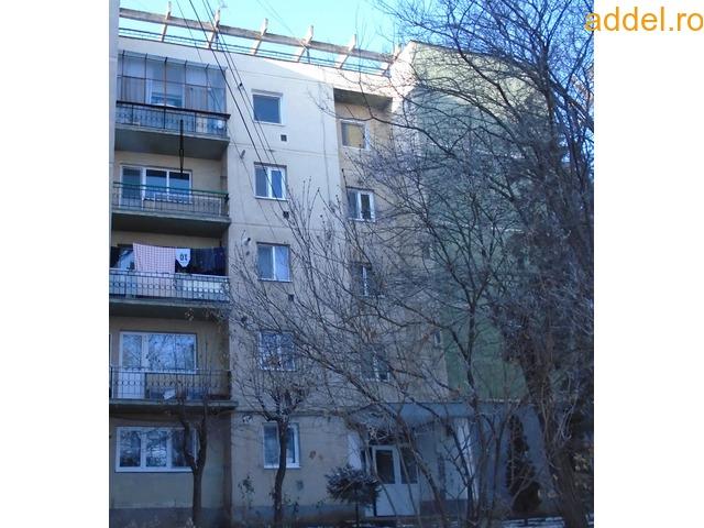 Eladó 3 szobás tömbházlakás - 1