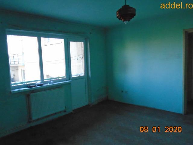 Eladó 3 szobás tömbházlakás - 4
