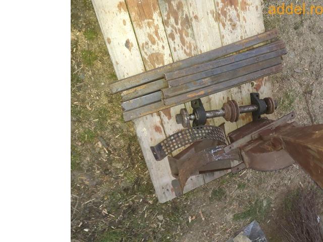 Eladó összeszerelésre előkészített körfűrész (cirkula) és kalapácsmalom asztal tengelyestől - 1