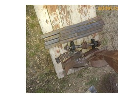 Eladó összeszerelésre előkészített körfűrész (cirkula) és kalapácsmalom asztal tengelyestől