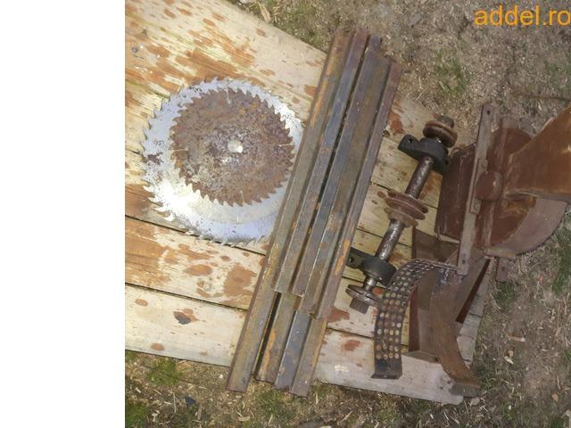 Eladó összeszerelésre előkészített körfűrész (cirkula) és kalapácsmalom asztal tengelyestől - 2